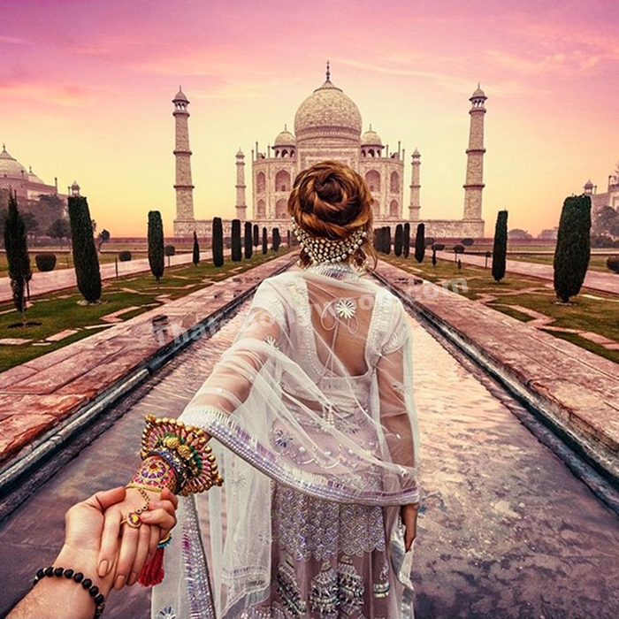This Artist's Photos Of His Girlfriend in India Will Make You Fall In Love With Both